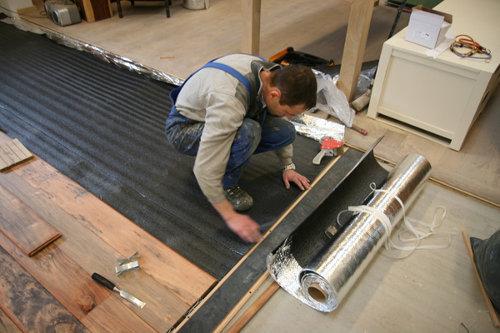 Leggen Houten Vloer : Onderfolie voor houten vloeren zwevend leggen