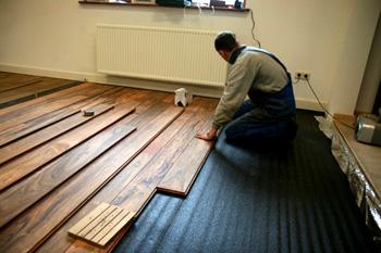Zwevend leggen van houten vloeren fairwood